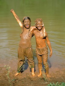 kids in mud